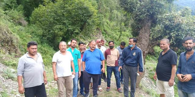 Munsyari accident - DM and MLA visits disaster affected Galla Patharkot